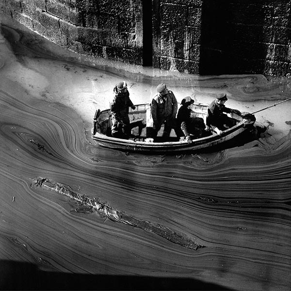 torrey-canyon-oil-spill-Cornwall-1967