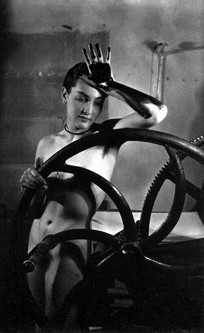 Erotique Voilée, 1933