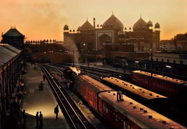 Agra Station, Steve McCurry