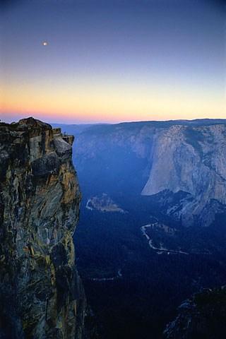 Moonset over Yosemite